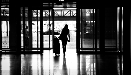 airport_woman